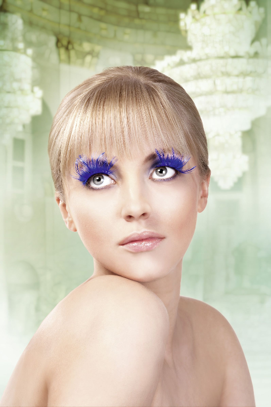 Paradise Dreams, Baci Fake Eyelashes