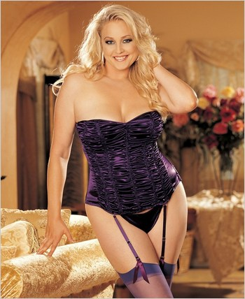 Plus Size Lingerie, Plus Size Corset in Wild Berry X29047